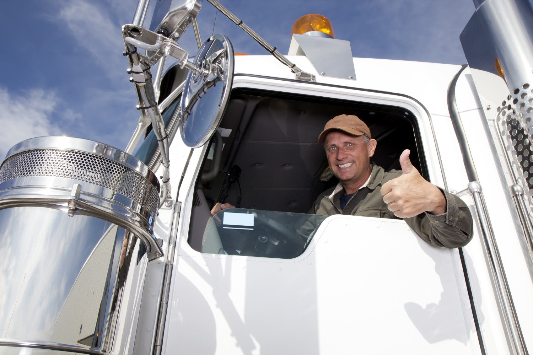trucker-giving-thumbs-up