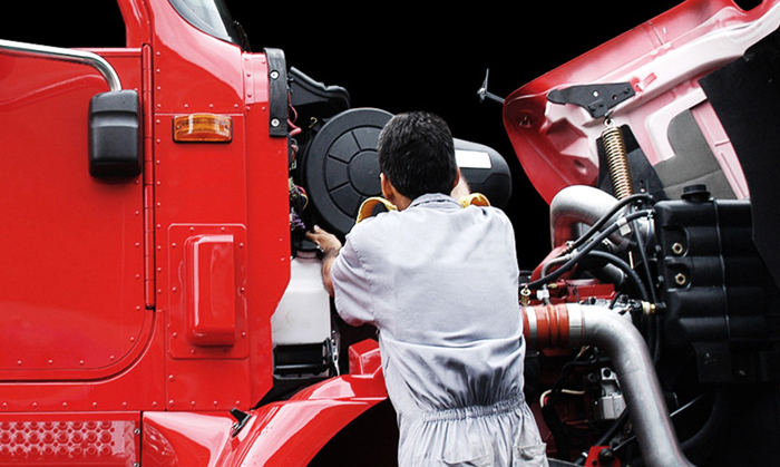 Commercial Truck Maintenance Helps Prevent Commercial Truck Accidents